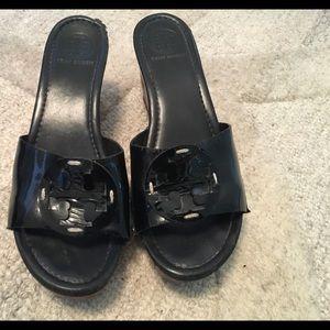 Tory Burch Black patent leather slides size 9.5